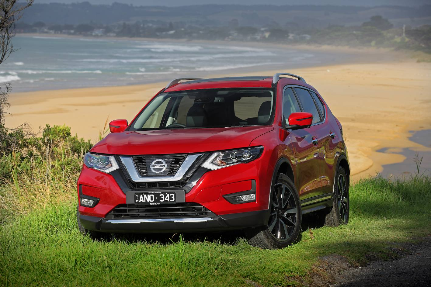 updated 2017 nissan x trail gets new stronger diesel. Black Bedroom Furniture Sets. Home Design Ideas