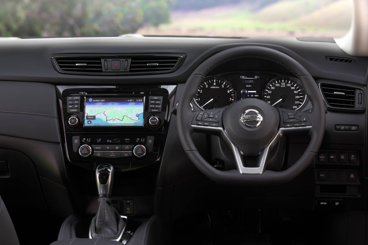 Updated 2017 nissan x trail gets new stronger diesel for Nissan x trail interior