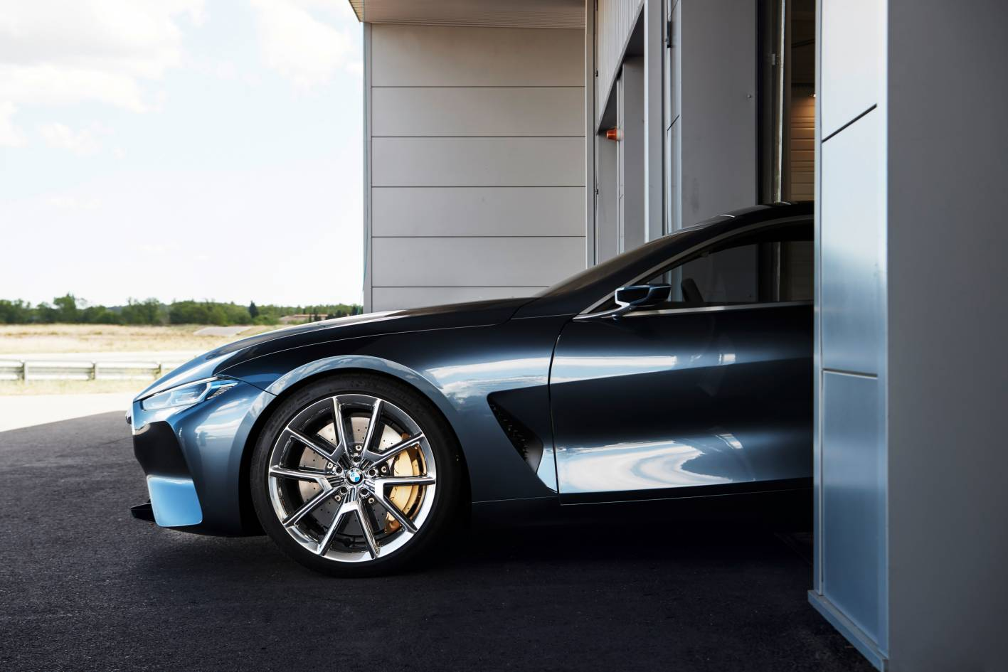 bmw 8 series concept breaks cover ahead of 2018 arrival. Black Bedroom Furniture Sets. Home Design Ideas
