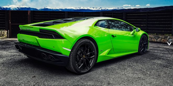 "Vilner gives Lamborghini Huracan's interior a ""Verde Mantis"" treatment"