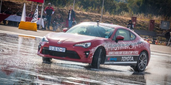 Toyota 86 sets the world's longest drift record! [video]