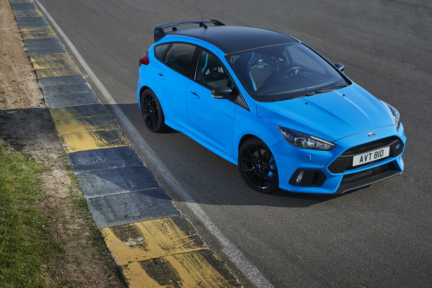 ford focus rs limited edition launched as hottest rs yet. Black Bedroom Furniture Sets. Home Design Ideas