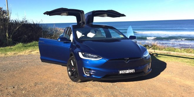 2017 Tesla Model X P100D Review – 10 coolest features