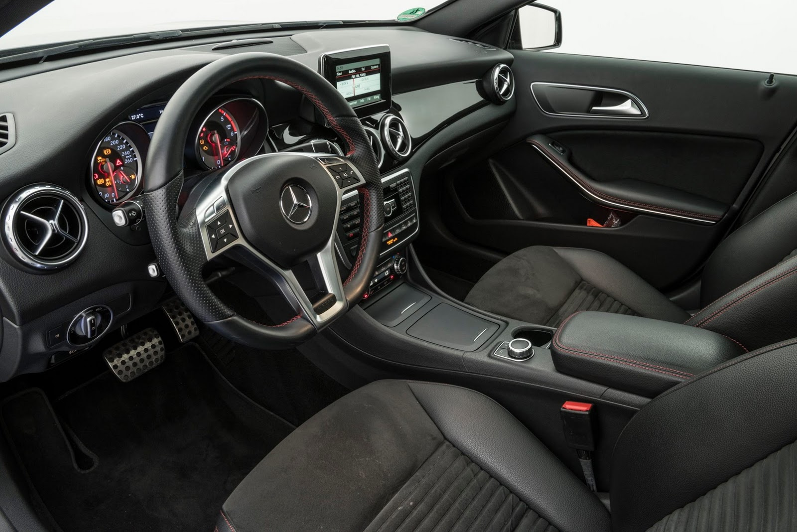 Brabus Dresses Up Mercedes Benz Gla 220 Cdi With Amg Line Kit