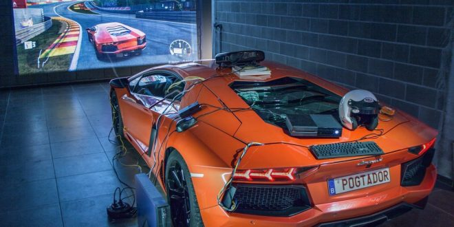 Lamborghini Aventador turned into driving simulator