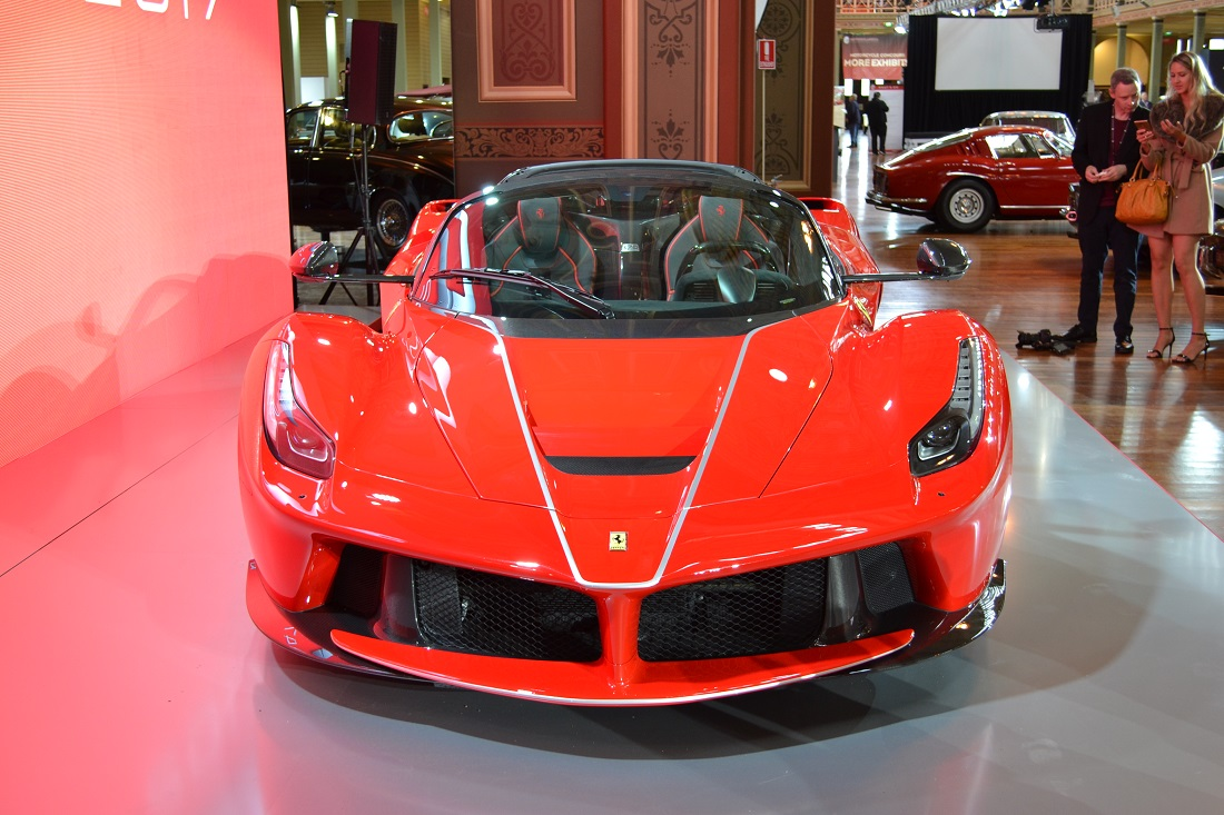 ferrari marks 70th anniversary with laferrari aperta at motorclassica. Black Bedroom Furniture Sets. Home Design Ideas