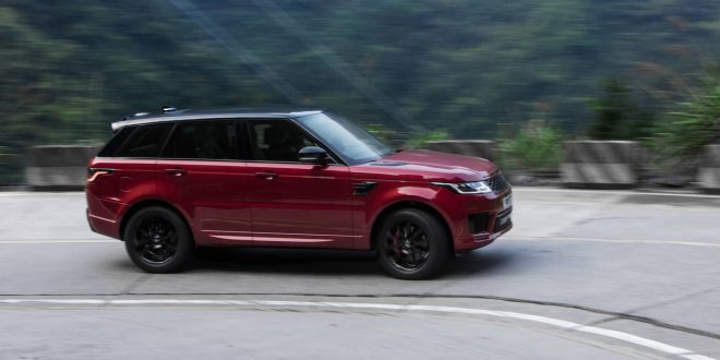 Range Rover Sport climbs 999 steps in Heaven's Gate challenge [video]