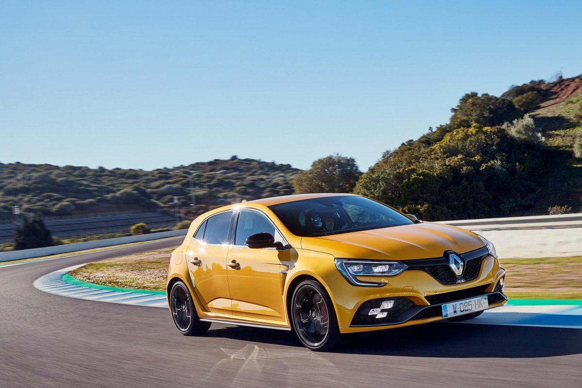 renault megane r s to land q3 2018 priced from 45 000. Black Bedroom Furniture Sets. Home Design Ideas