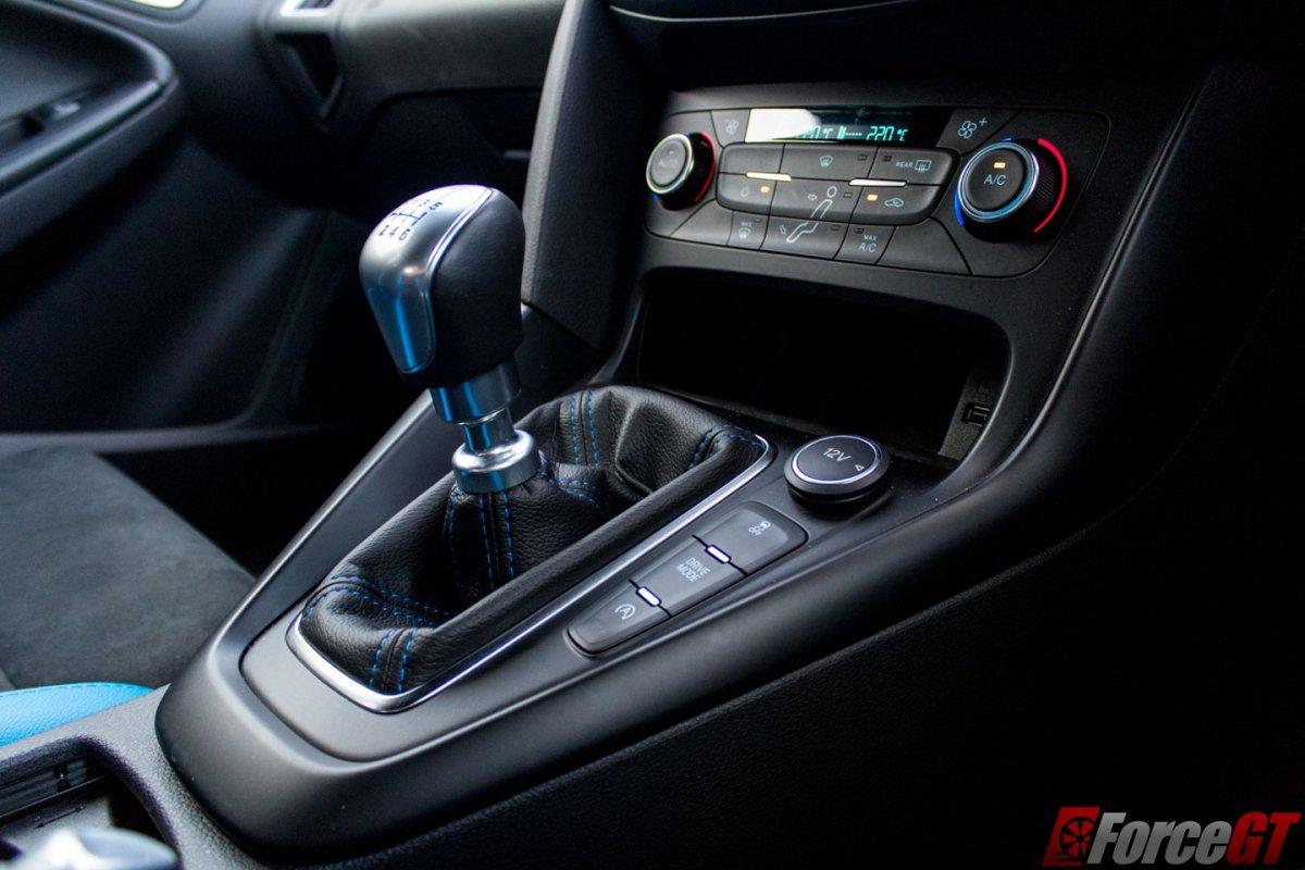 Hot Hatch Battle Honda Civic Type R Vs Ford Focus Rs
