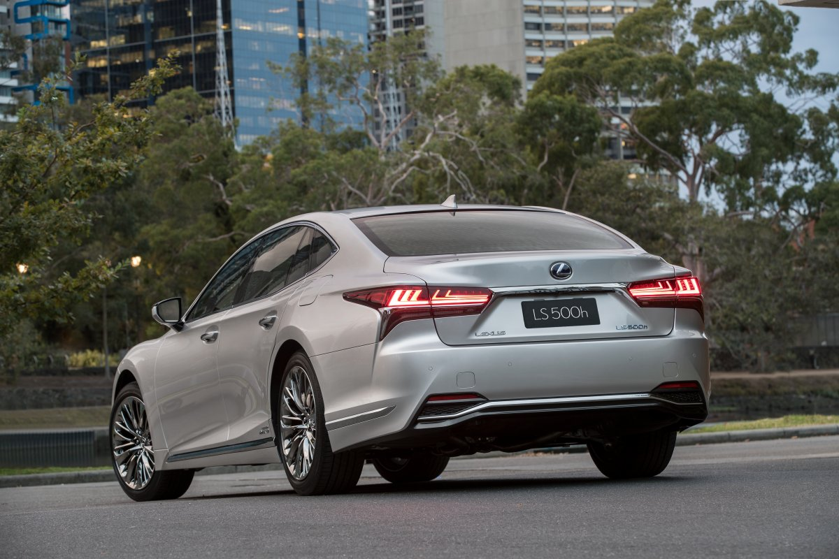 2018 lexus ls sedan flagship launches in australia from 190 500. Black Bedroom Furniture Sets. Home Design Ideas