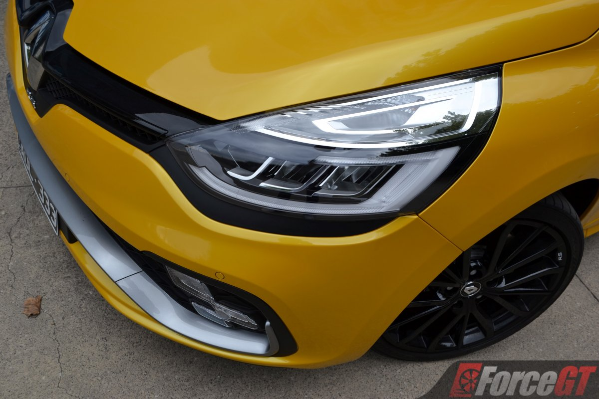 2018 renault clio rs cup headlight. Black Bedroom Furniture Sets. Home Design Ideas