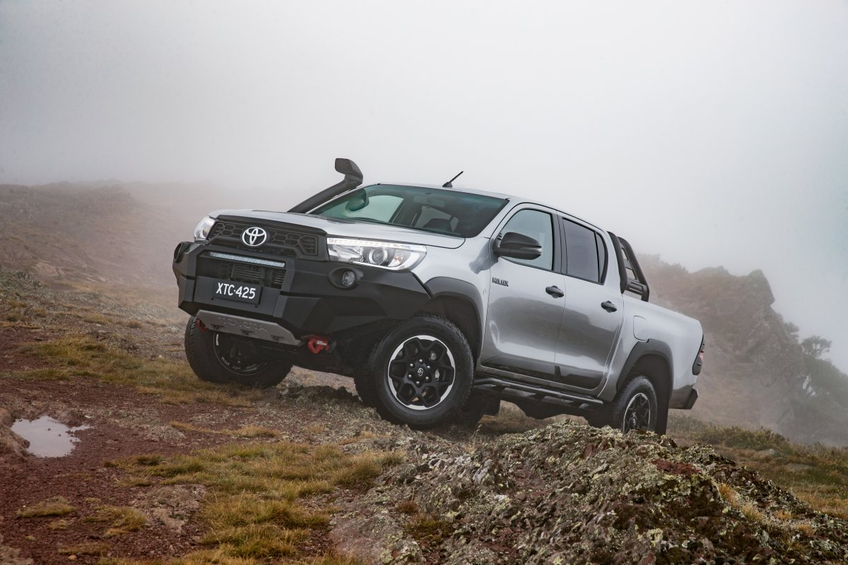 toyota hilux rugged x rogue rugged 3. Black Bedroom Furniture Sets. Home Design Ideas