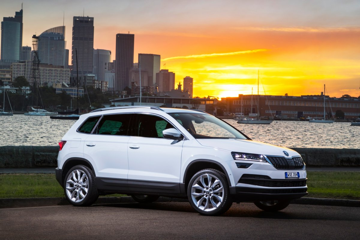 sub 30k skoda karoq debuts segment 39 s first removable rear seats. Black Bedroom Furniture Sets. Home Design Ideas
