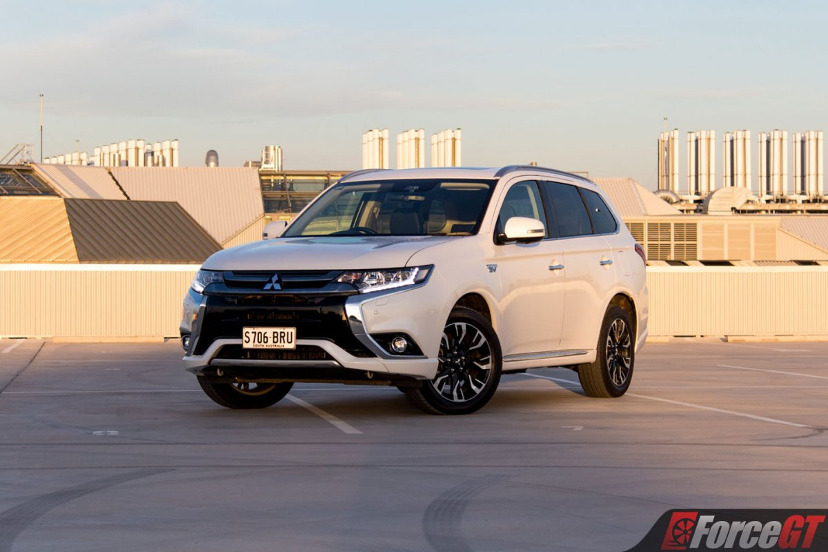 Ford Kuga Towing Capacity >> 2018 Mitsubishi Outlander PHEV Review - ForceGT.com
