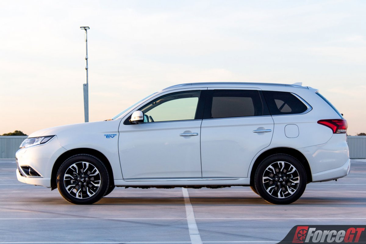 2018 Mitsubishi Outlander Phev Review Forcegt Com