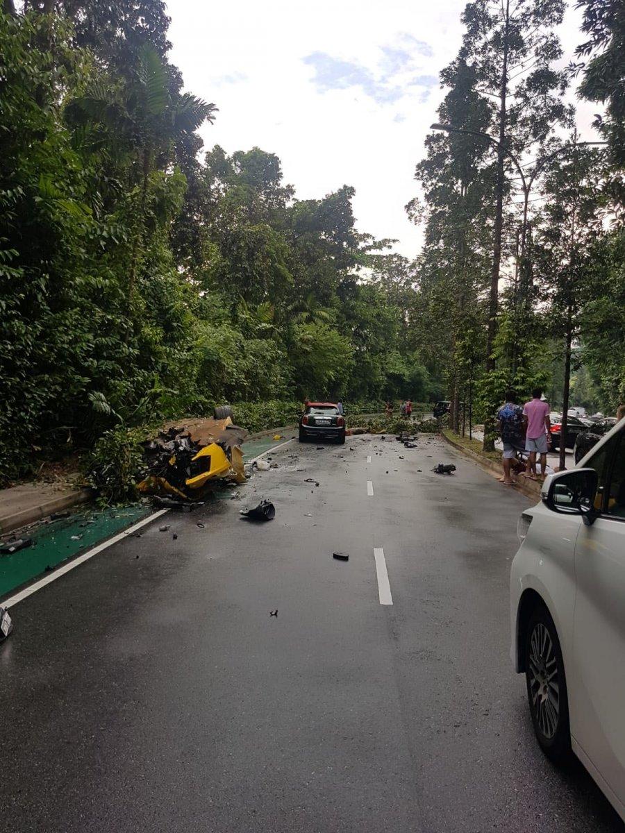 Lamborghini Aventador Destroyed In Singapore Forcegt Com