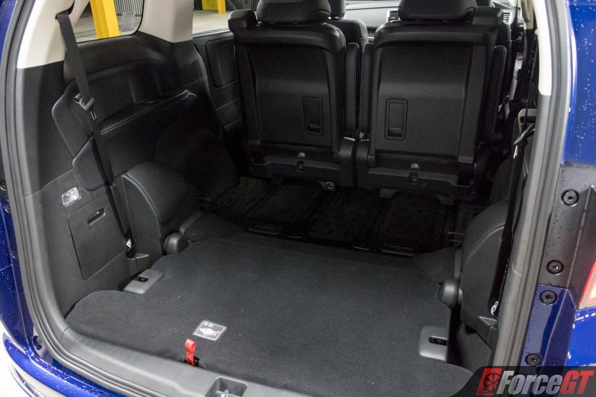 2018 honda odyssey vti l interior rear seats down. Black Bedroom Furniture Sets. Home Design Ideas