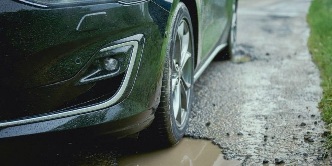 Ford Focus irons out bumps with Pothole Mitigation Tech