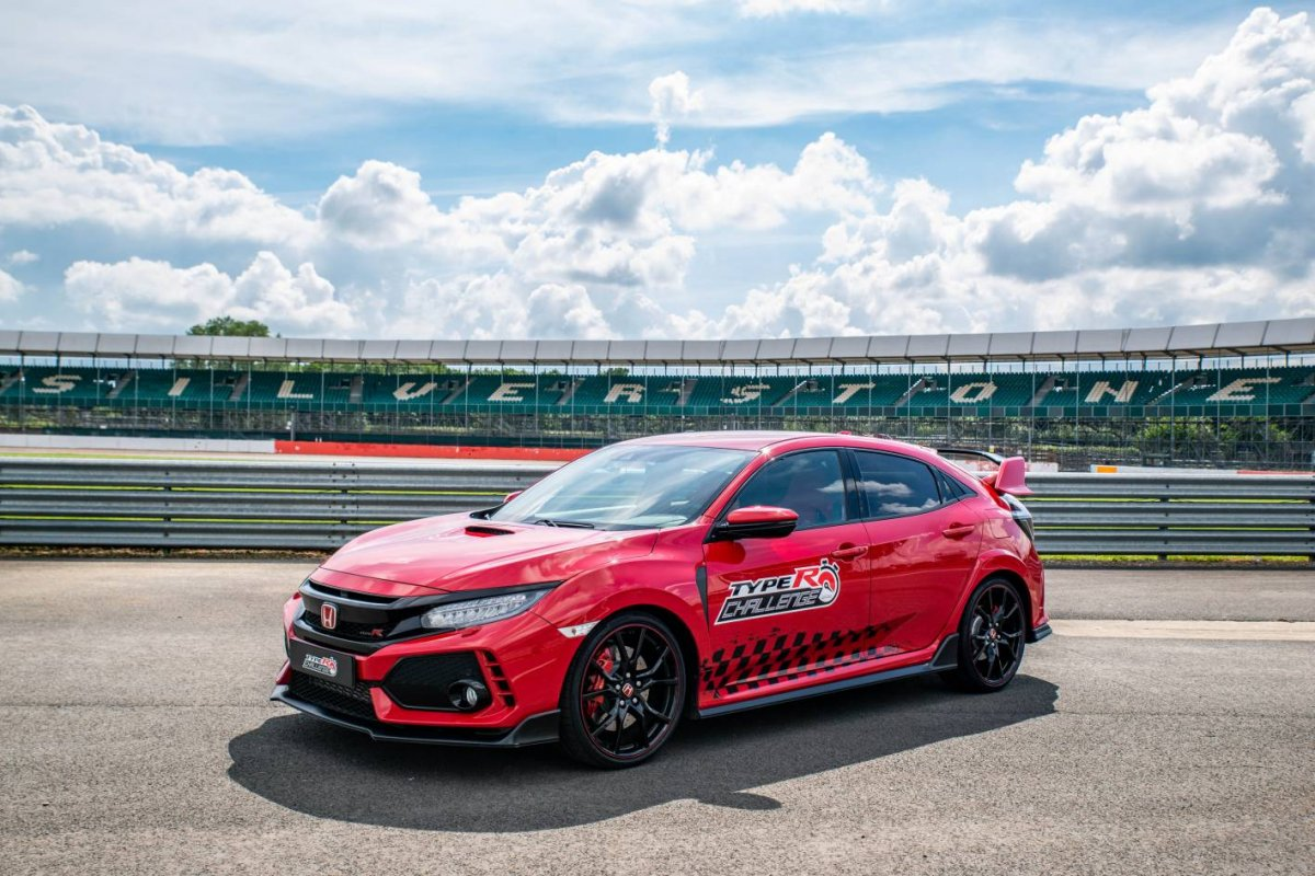 Honda Civic Type R Sets New Lap Record At Silverstone Circuits Pinterest Different Types Of And Following Two Successes In The Challenge 2018 Magny Cours Spa Francorchamps Hot Hatch Has Set A 2mins