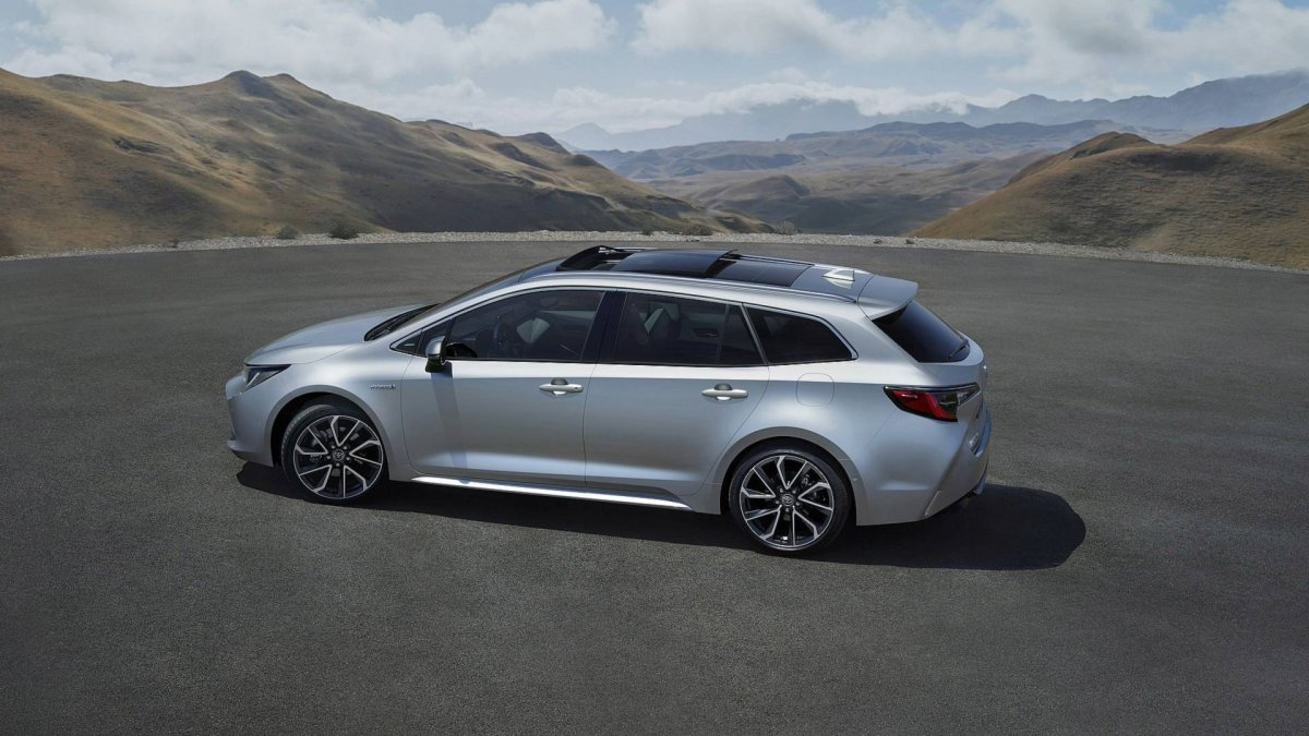 Toyota Corolla Touring Sports Unveiled Forcegt Com