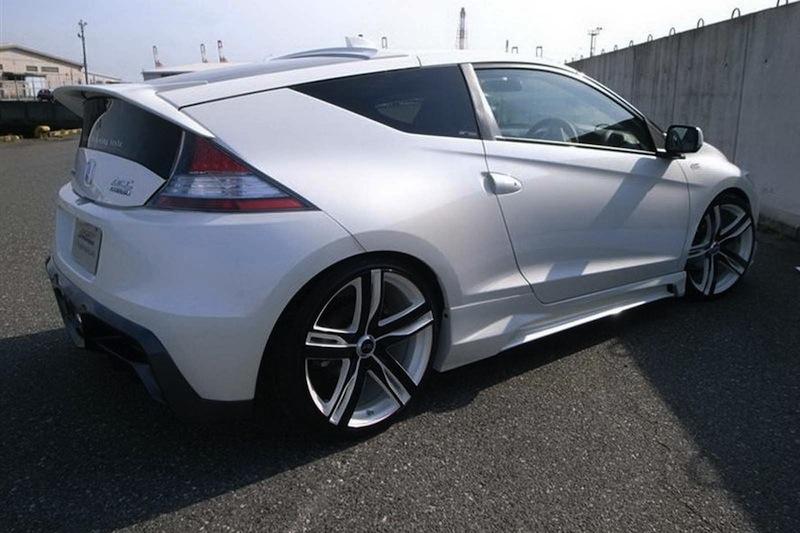 AMS Offers Honda CR-Z Hybrid Body-Kit - ForceGT.com