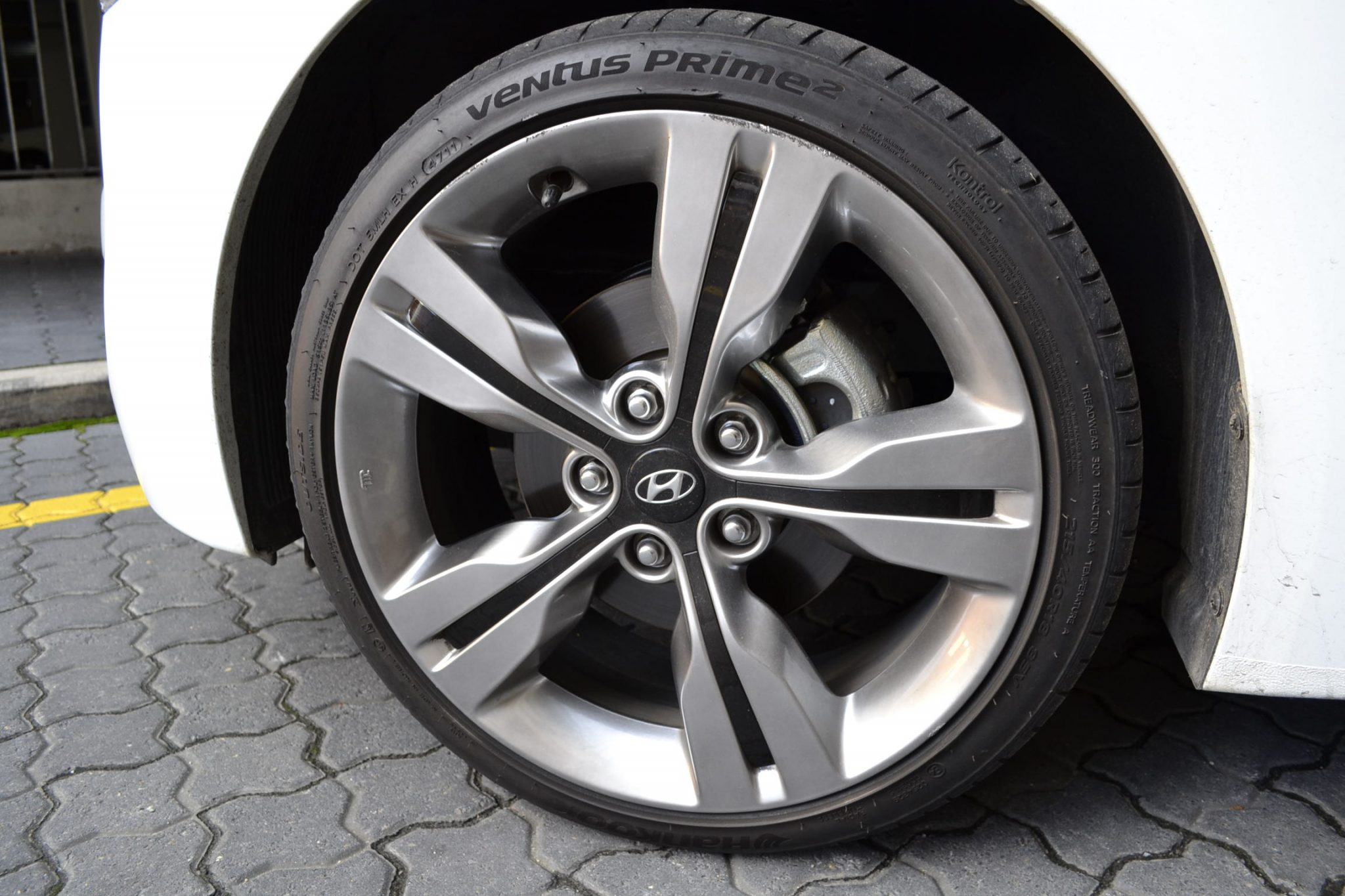 Hyundai Veloster Tires >> Hyundai Veloster Tires Upcoming New Car Release 2020