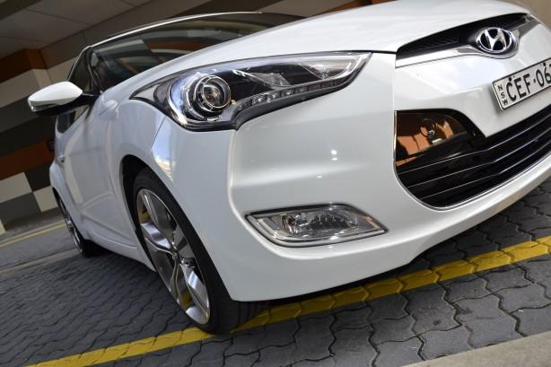 Hyundai Veloster Review – 2012 Manual, Headlight