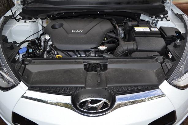Hyundai Veloster Review – 2012 Manual, Engine