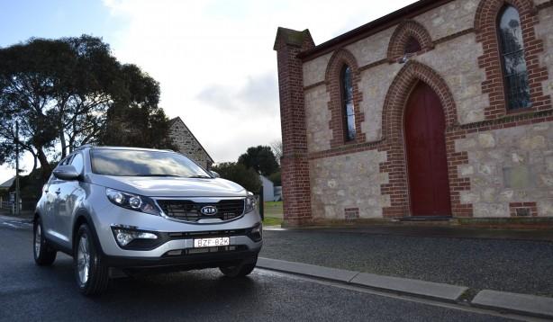 Kia Sportage Review - 2012 SLi Diesel Automatic, Side Front Shot