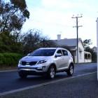 Kia Sportage Review - 2012 SLi Diesel Automatic, Side Street