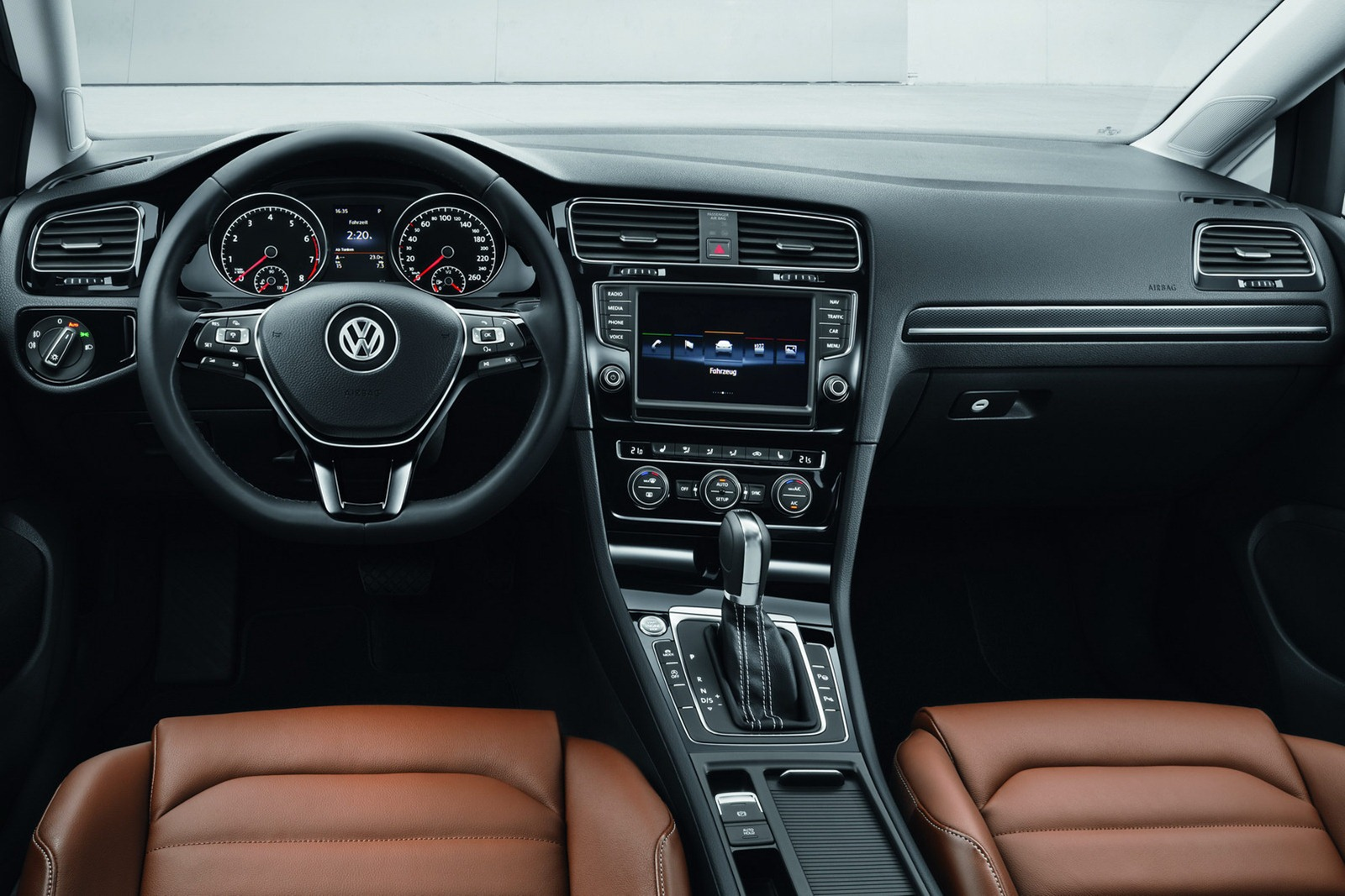 2013-VW-Mk7-Golf-Interior-4 - ForceGT.com