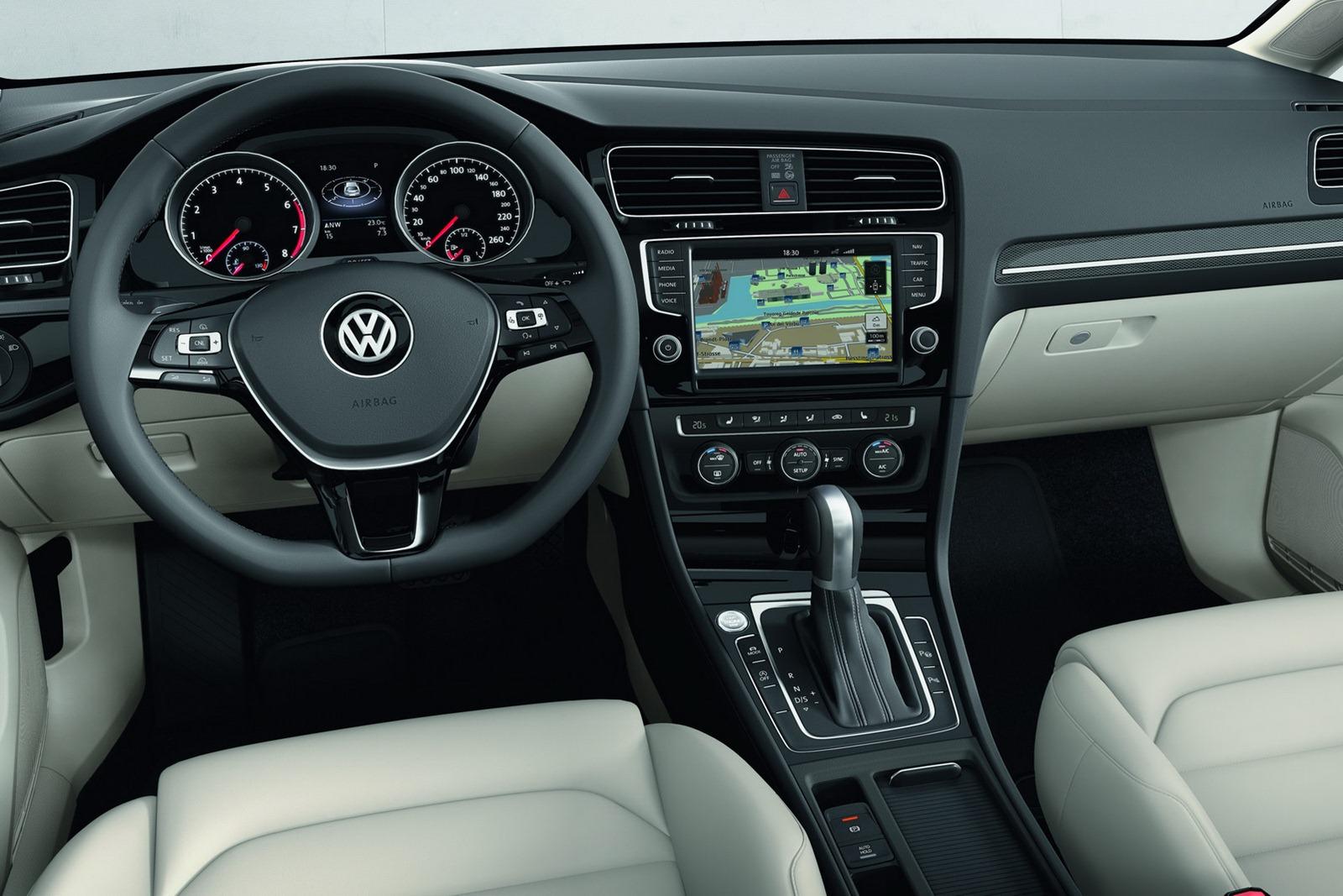 2013-vw-mk7-golf-interior-5