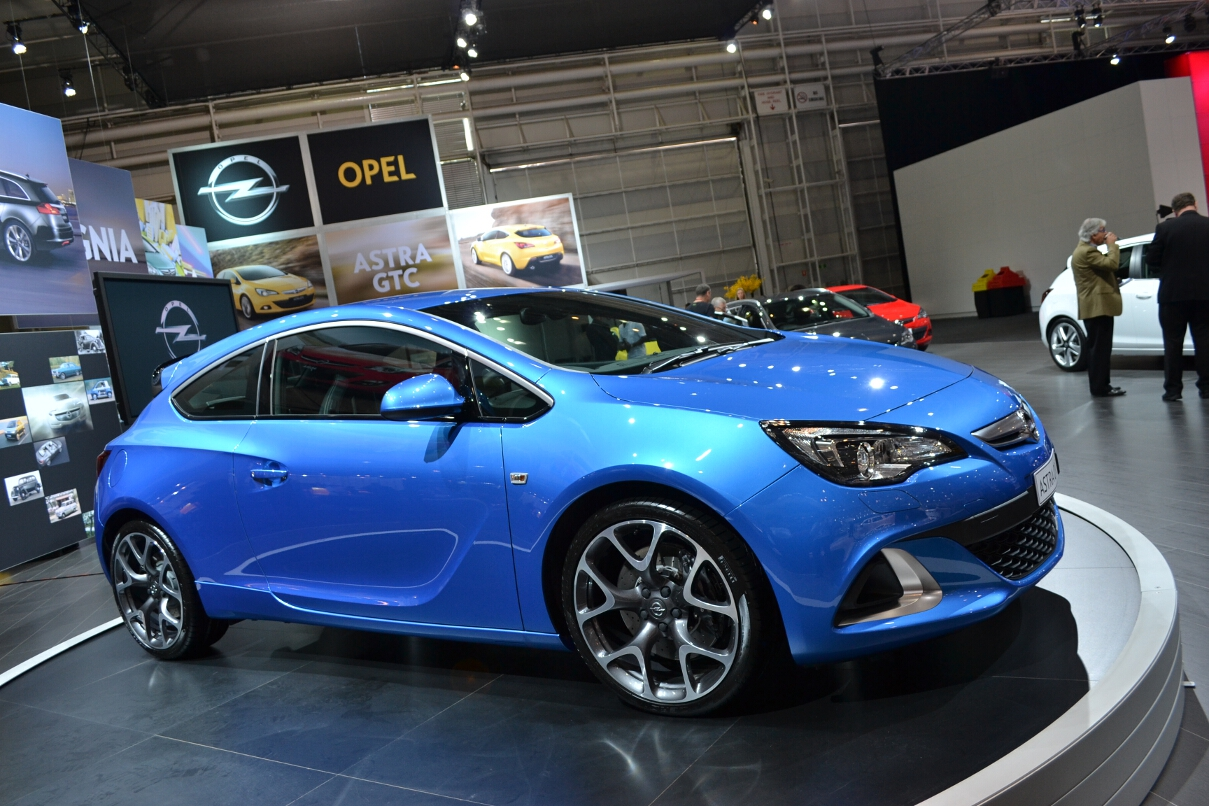 Opel Cars - News: Astra OPC launched from $42,990