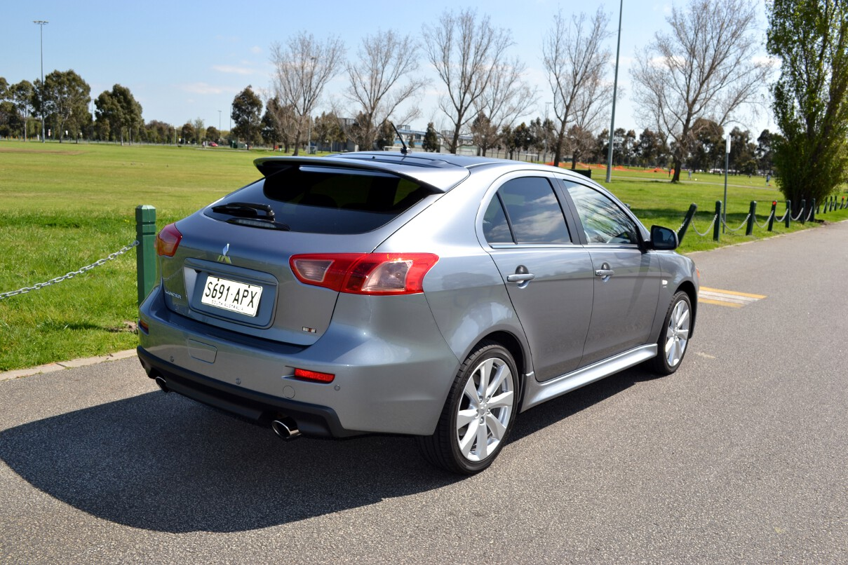 Mitsubishi Lancer Review 2012 Ralliart