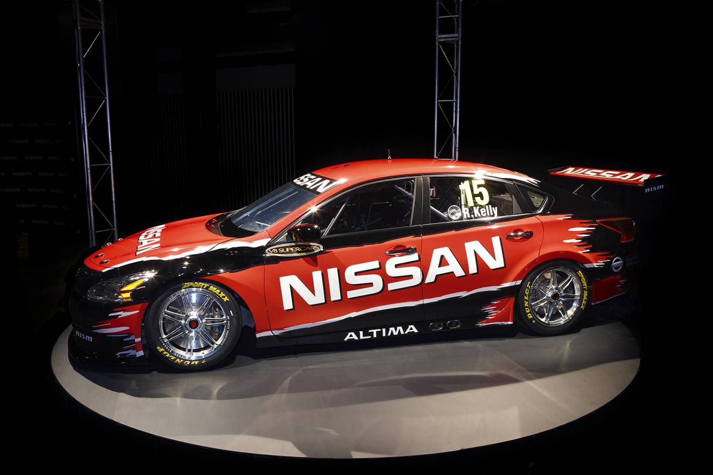 Nissan Cars - News: Altima V8 Supercar