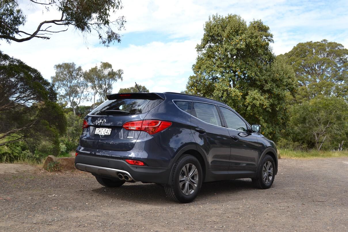 2012 Hyundai Santa Fe Review 31