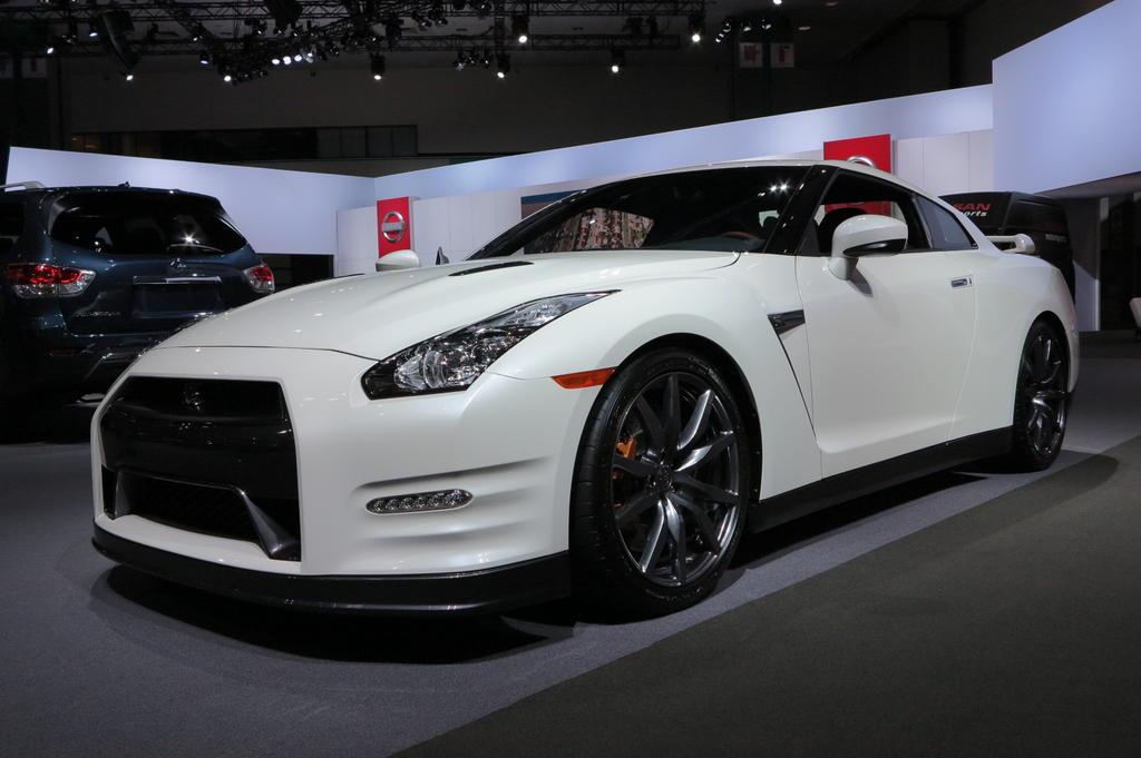 Nissan Cars - News: 2014 GT-R boasts performance upgrade