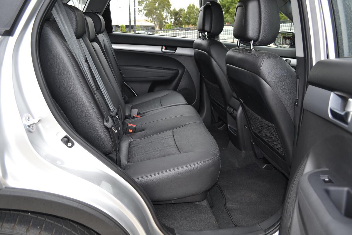 2012 Kia Sorento Interior 10 - 2012 Kia Sorento Lx