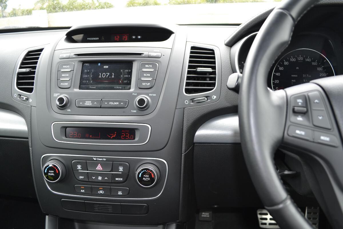 2012 Kia Sorento Interior 4 Forcegt Com