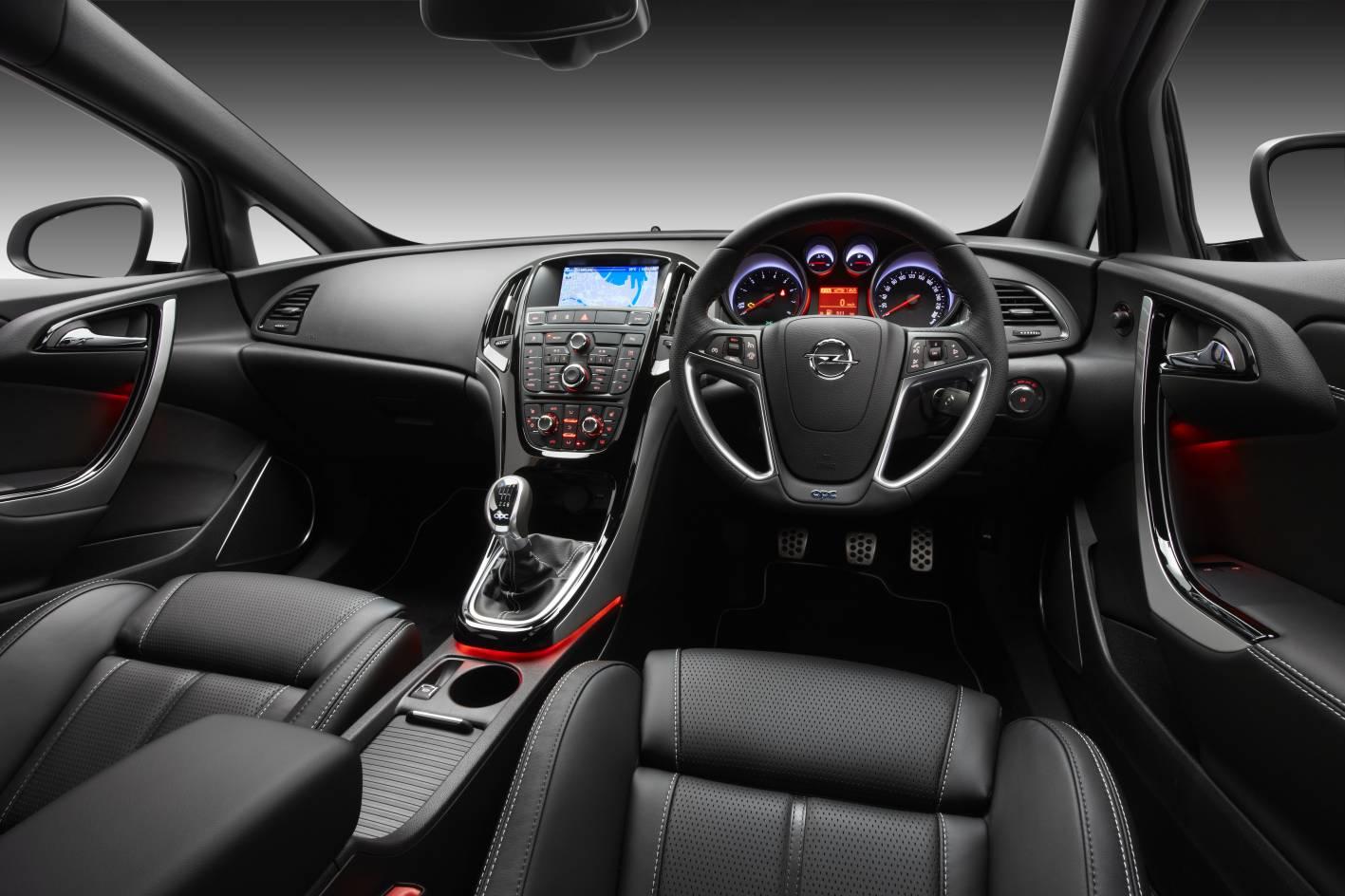 Opel Astra OPC interior - ForceGT.com