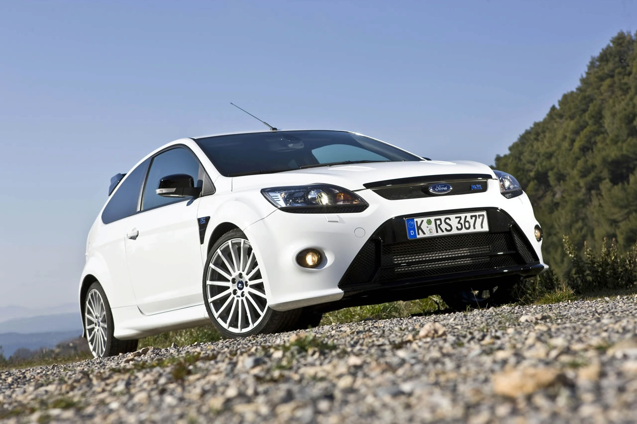 Ford Cars - News: 2015 Focus RS sports 2.3L Mustang engine