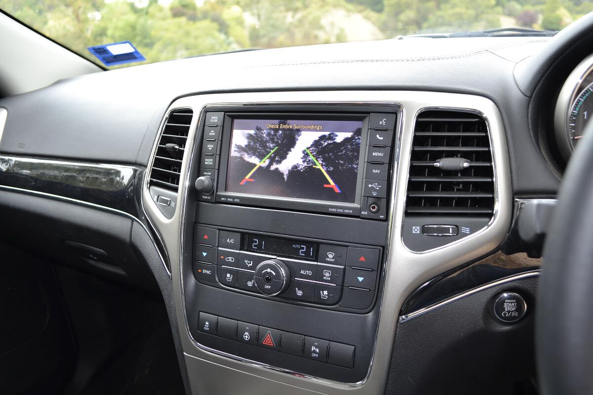 2012 Jeep Grand Cherokee Interior 11 Forcegt Com