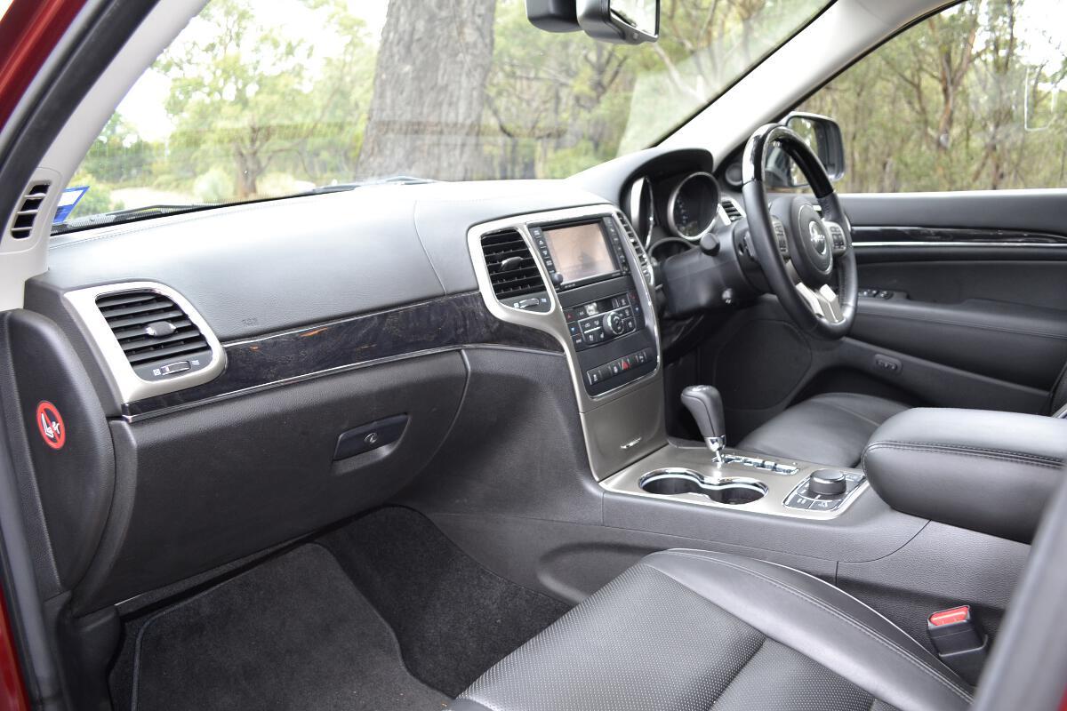 2012 Jeep Grand Cherokee Interior-2 - ForceGT.com