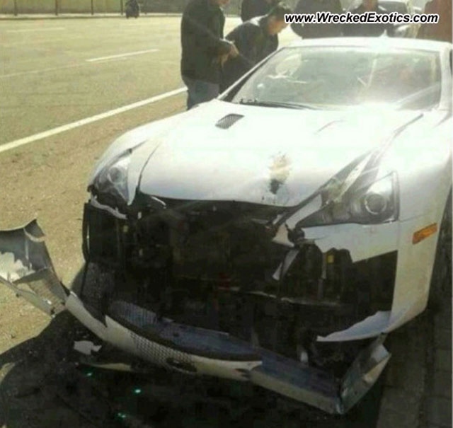 Lexus Crash Lfa Crashes In China