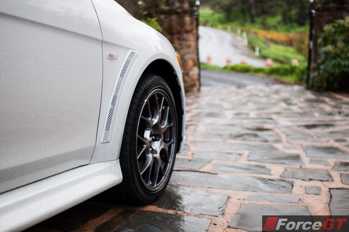 2014 mitsubishi lancer evolution mr 18 inch alloy wheels. Black Bedroom Furniture Sets. Home Design Ideas