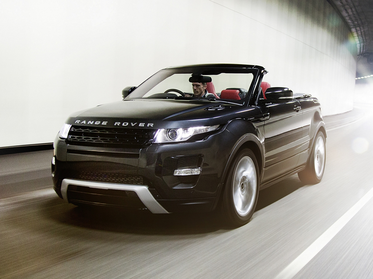 Range Rover Evoque Convertible Enters Production In 2014