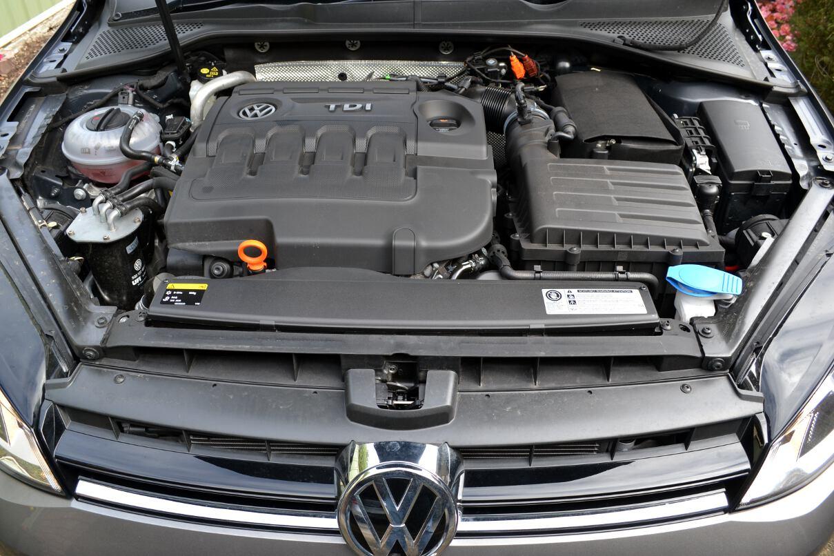 2013-Volkswagen-Golf-7-110TDI-engine-bay-08 - ForceGT.com