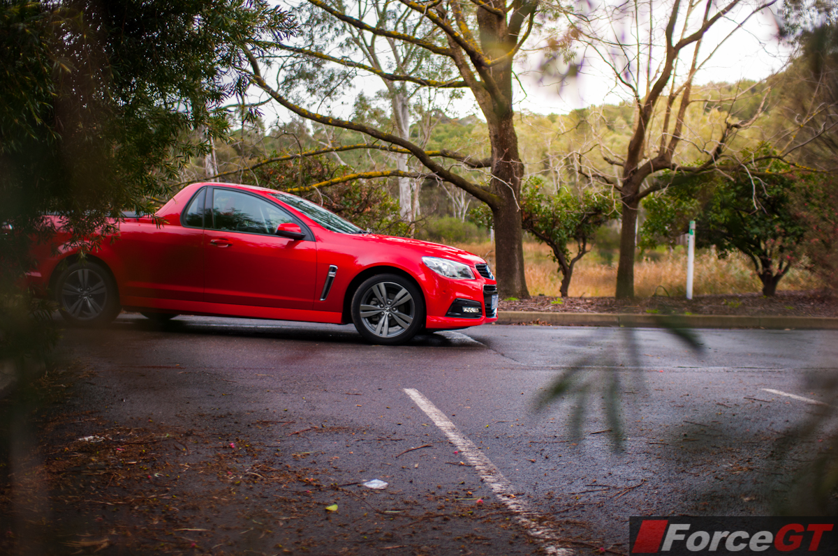holden commodore sv6 owners manual