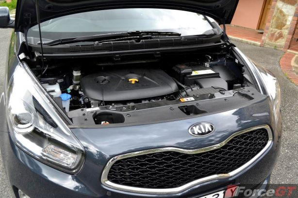2013 Kia Rondo engine