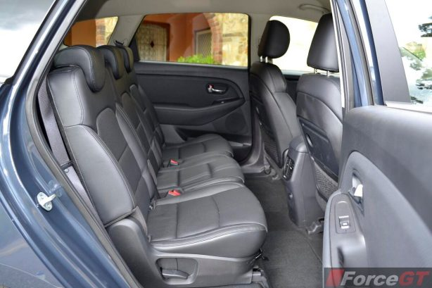 2013 Kia Rondo rear seats